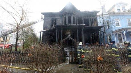 В США сгорел культовый дом Церкви Сатаны