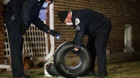 В Чикаго небольшой пассажирский самолёт потерял колесо над жилым домом