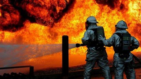 Пожар на нефтеперерабатывающем заводе в румынском уезде Прахова: два человека пострадали