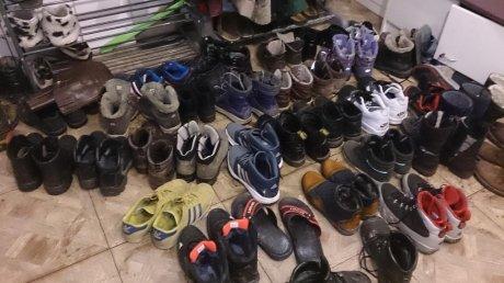 Воспитанники детсада в Каларашском районе остались без новой зимней обуви из-за из-за стычки взрослых