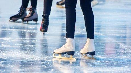 Опасно, но очень интересно: в столице люди выходят на замерзшие озера вопреки предупреждениям