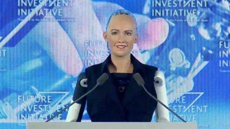Поможет пережить пандемию: разработчики робота Софии планируют запустить ее массовое производство