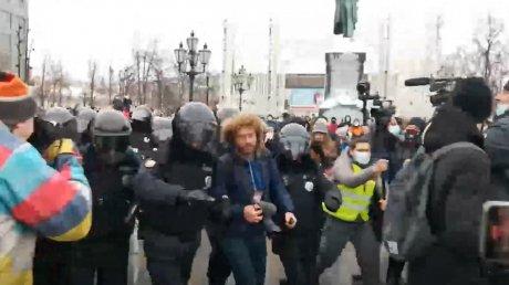 В Москве задержали блогера Илью Варламова (ВИДЕО)