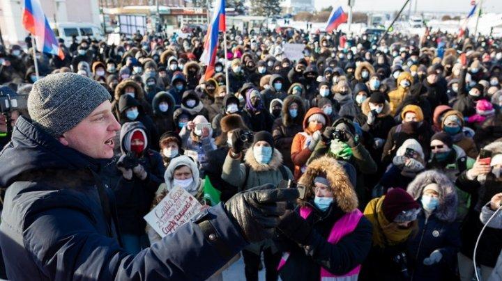 Сторонники Навального устроили новые протесты в России: полиция задержала около двух тысяч человек