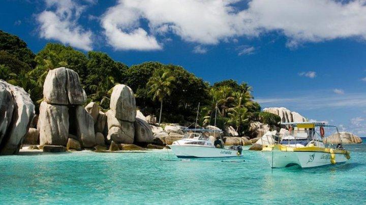 Сейшельские острова открывают границы для туристов с прививкой от коронавируса