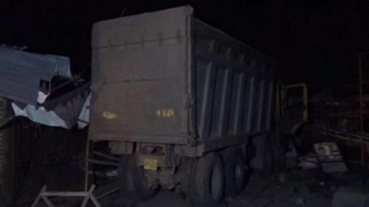 В Индии грузовик переехал 15 заснувших рабочих