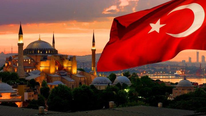 Вернулся из Турции - сиди дома: Минздрав Молдовы включил страну в красную зону