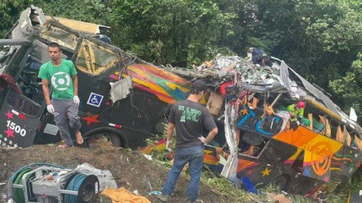 Страшная авария в Бразилии: более 20 человек погибли, еще 33 пострадали