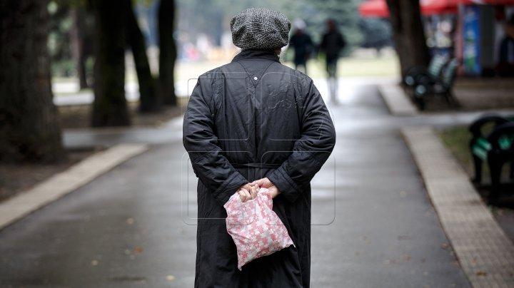 В Кишинёве люди из-за нищеты выходят торговать на улицу даже в мороз
