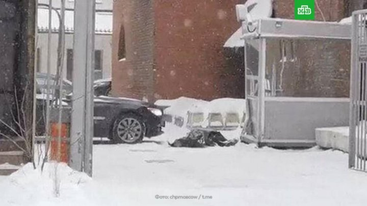 В Москве автомобиль BMW задавил своего владельца: им оказался водитель замминистра юстиции РФ