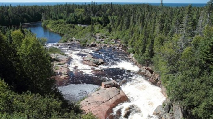Река в Канаде получила статус юридического лица и права