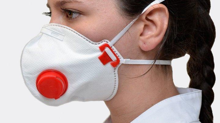 Минздрав Израиля объявил, что гражданам больше не нужно носить защитные маски в помещении
