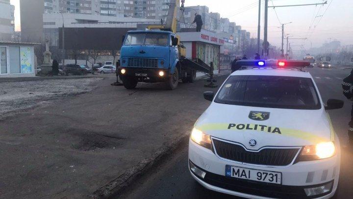 В столице эвакуировали киоск, принадлежащий вице-претору Чекан (ФОТО)