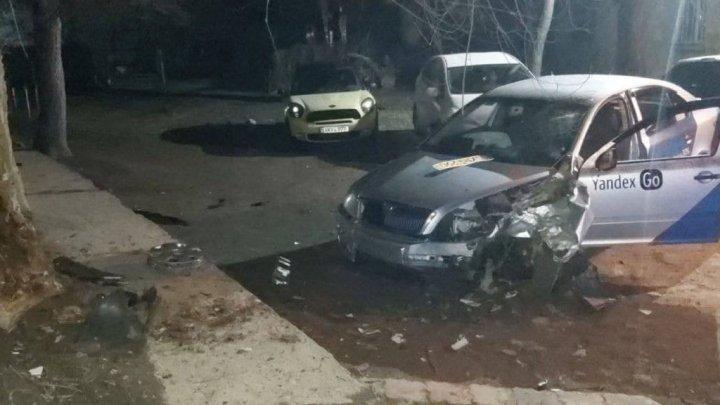 Погоня за пьяным таксистом в Кишинёве обернулась ДТП (ВИДЕО)