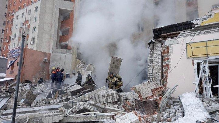 В Нижнем Новгороде взорвался суши-бар: под завалами находятся два человека, еще один госпитализирован (ФОТО, ВИДЕО)