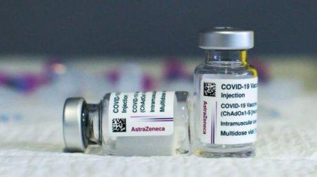 Создатели вакцины AstraZeneca получили рыцарские титулы от Елизаветы II