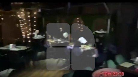 Решения властей - не указ: в столичном ресторане застали десятки отдыхающих после 22:00 (ВИДЕО)