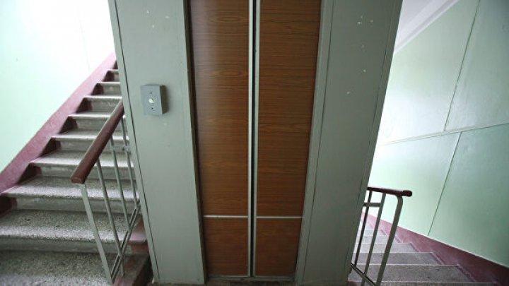 Пора на свалку: в Кишиневе 97 процентов лифтов исчерпали запасы надежности и безопасности