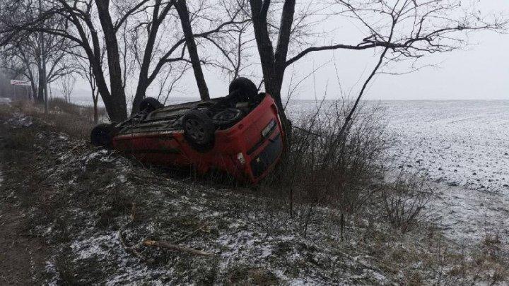 Непогода стала причиной аварии недалеко от пригорода Бэчой (ФОТО)