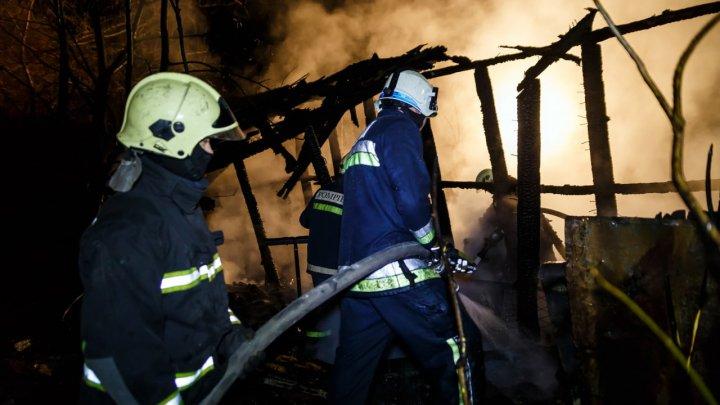В Бельцах потушили крупный пожар