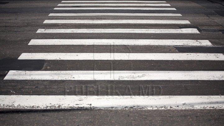 В Кишинёве водитель задел пешехода и даже не притормозил
