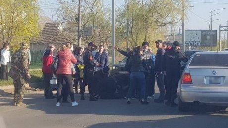 Отбросило на несколько метров: автомобиль сбил школьника в Комрате (ВИДЕО)