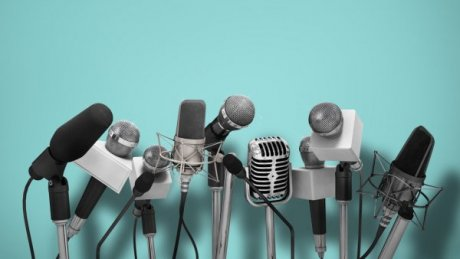 """На пресс-конференции """"Пари Сен-Жермен"""" репортер забыл включить микрофон"""