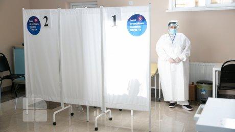 В мэрии Кишинёва жалуются, что некоторые записанные на прививку учителя не приходят на вакцинацию