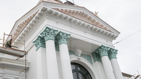 После реставрации фасад Органного зала в Кишиневе вновь нуждается в ремонте