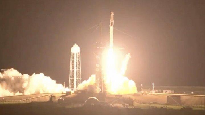 Космический корабль Crew Dragon-2 доставит экипаж из четырех астронавтов на МКС для шестимесячной миссии