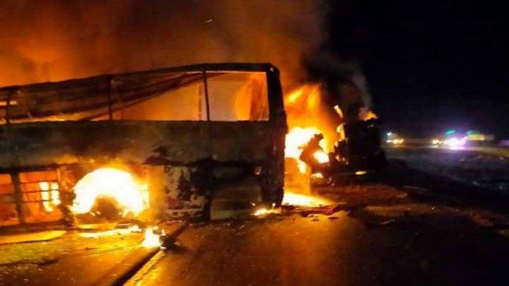 Страшная авария в Египте: по меньшей мере 20 человек погибли при столкновении автобуса и грузовика