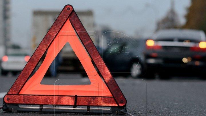 Серьезная авария в Яссах: маршрутка с 17 молдаванами врезалась в грузовик