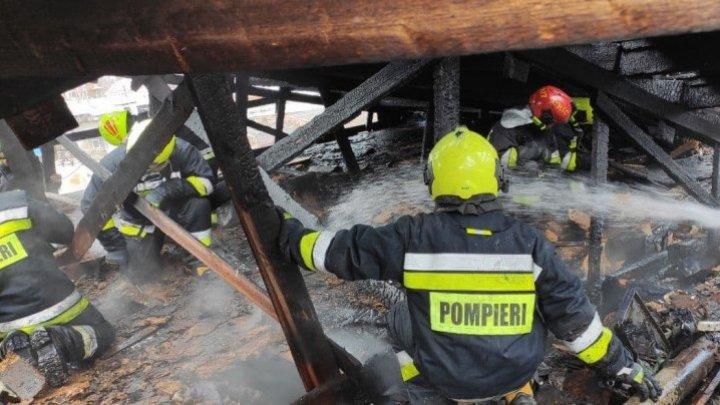В Чимишлии загорелся двухэтажный дом (ФОТО)