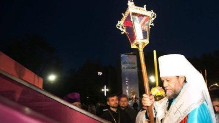 Несмотря на пандемию Священный огонь будет доставлен в Молдову из Иерусалима