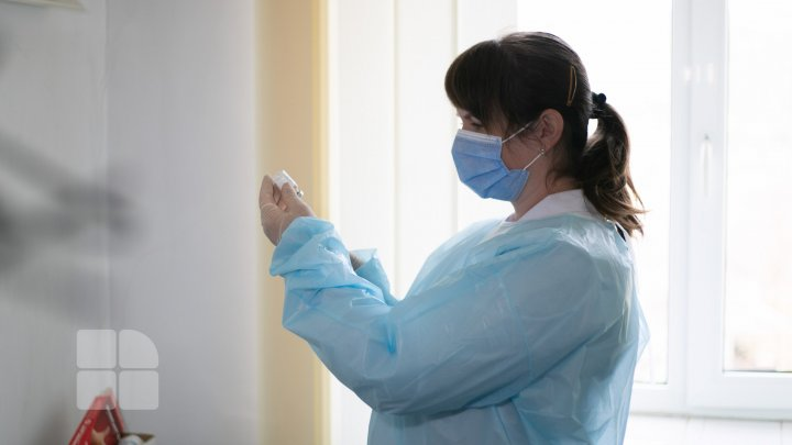 В Московской области назвали условия для вакцинации мигрантов и иностранцев