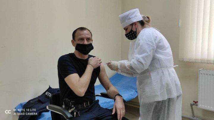 ВОЗ рекомендовала китайскую вакцину Sinopharm для экстренного применения против COVID
