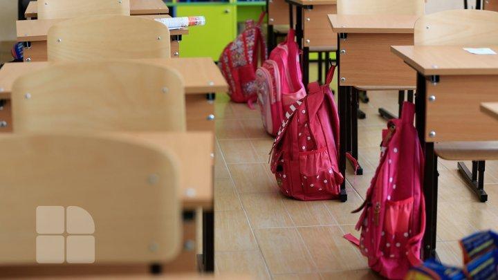 В столице школьники вернулись за парты, а в Бельцах очный учебный процесс начнется со вторника