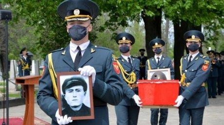 Останки солдата из Казахстана, погибшего во Второй мировой войне в Молдове, отправили на его родину (ФОТО, ВИДЕО)