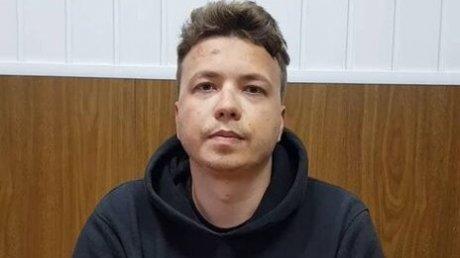Протасевич попытался объяснить, как у него появились раны, которые были заметны на сделанных ранее видеозаписях