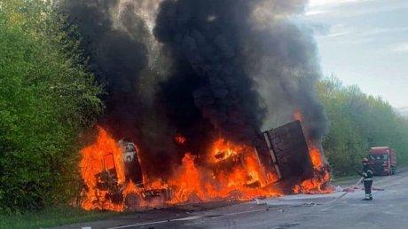 Крупное ДТП с пожаром в Хмельницкой области: погибли четыре человека