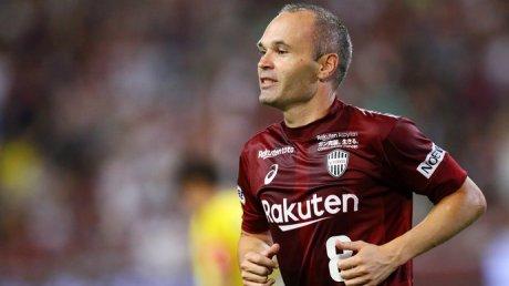 Легенда испанского футбола, 37-летний Андрес Иньеста не собирается завершать карьеру игрока