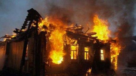 Сильный пожар в жилом доме в Бухаресте: погиб один человек, еще четверо пострадали