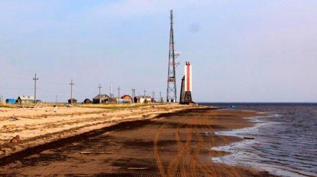 Частный вертолет упал в море в Архангельской области