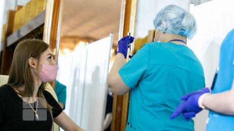 Стали известны итоги второго этапа марафона вакцинации во Дворце Республики