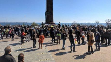 В Одессе произошла потасовка из-за запрёщенной символики (ВИДЕО)