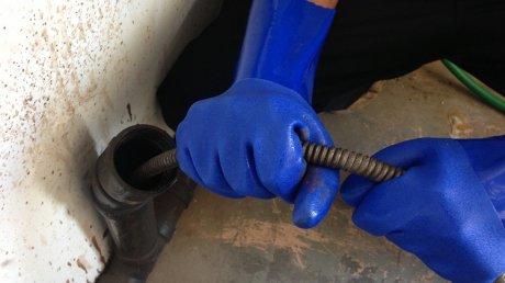 Канализация забита масками и перчатками: с начала года прочистка труб потребовалась в 600 случаях