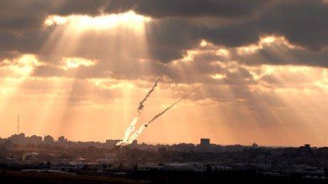 В ночь на воскресенье на Тель-Авив обрушился ракетный дождь
