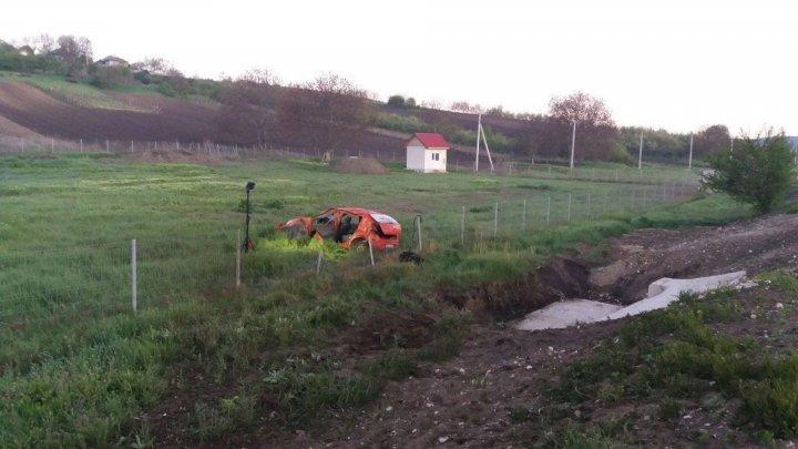 В Ниспоренском районе перевернулась машина с пятью пассажирами: водитель был пьян