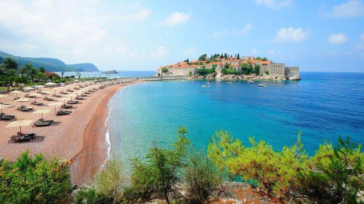 В Черногории объявили об открытии границ для всех туристов со следующей недели