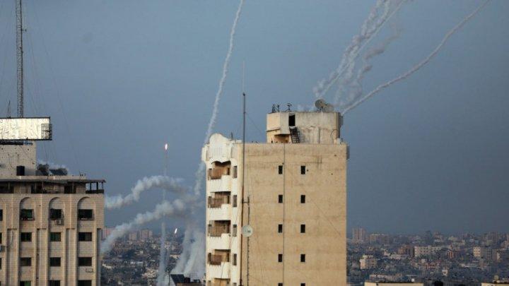 За два дня в сторону Израиля были выпущены более тысячи ракет, погибли шесть человек